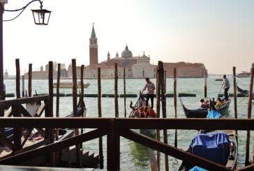 Tassa sbarco Venezia, si pensa a bollini da verde e nero con ticket crescente