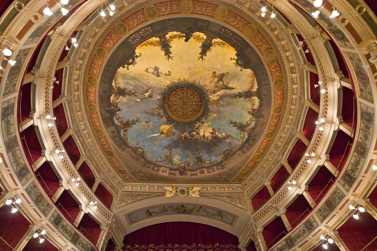 Siracusa ora il teatro comunale si pu visitare anche for Alberghi di siracusa