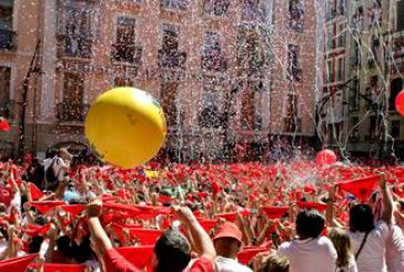 Vueling lancia voli speciali per la festa di San Firmino a Pamplona