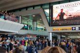 'Il Gladiatore' sbarca al T3 di Fiumicino e incanta i passeggeri