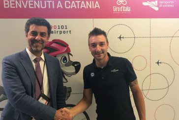 I campioni del Giro d'Italia sbarcano a Fontanarossa da Israele