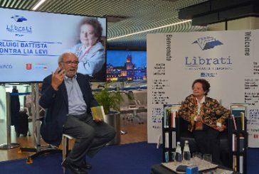 Scambio di libri tra i pax a Fiumicino con 'Lìbrati'