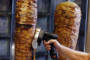 Genova dice stop a kebab, sexy shop e call center nel centro storico