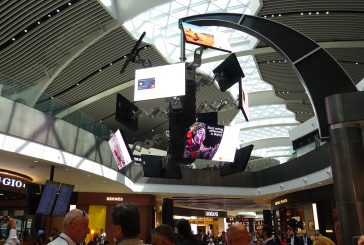 Le Chandelier, installazione digital e high-tech di Clear Channel e AdR