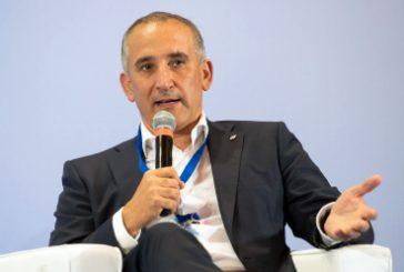 Stretta finale su Alitalia, Mazzoncini: nozze rischiano di danneggiare Fs