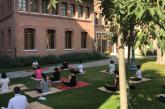Lezione di yoga en plein air all'Hilton Molino Stucky Venice