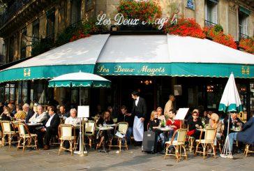 In Francia mancano dipendenti nei ristoranti: si punta sui migranti