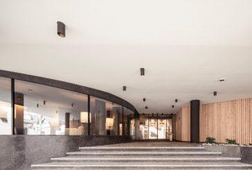 A Castelrotto riapre l'Hotel Lamm, restyling unisce lifestyle alpino e design moderno