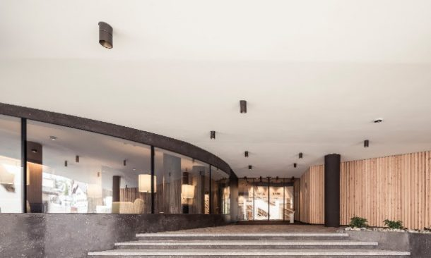 A Castelrotto riapre l\'Hotel Lamm, restyling unisce ...