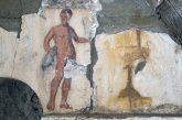 Cuma continua a svelare i suoi tesori, trovata una nuova tomba dipinta