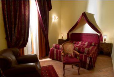 Il 'brivido del peccato' al Chiaja Hotel de Charme