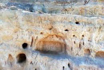 Incide graffiti sulle dune di Torre Guaceto: denunciato 31enne campano