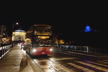 Scoprire le 'Luci d'Artista' di Torino a bordo dei bus City Sightseeing