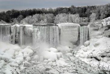 Cascate del Niagara e Tour Eiffel ghiacciate: spettacolo unico