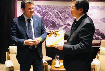 Centinaio in missione a Pechino per rafforzare scambi Italia-Cina