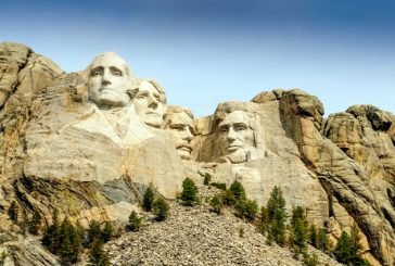 Lifting per i 4 presidenti del Mount Rushmore