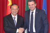 Centinaio sigla accordo con ministro Cina su turismo sostenibile
