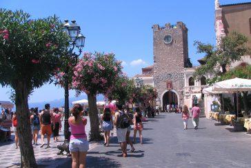 Se Taormina diventa paradigma del turismo siciliano fra luci e ombre