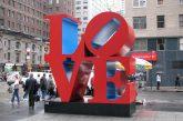 A New York sparisce la scultura 'Love': la delusione dei turisti