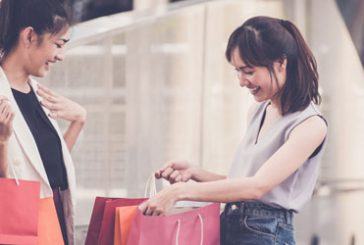 Cresce lo shopping di lusso tax free in Italia, al top turisti i cinesi, coreani e russi