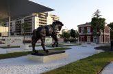Matera 2019: Cavallo di Dalì davanti a stazione di Boeri