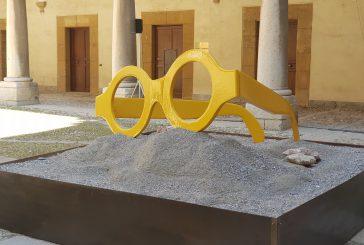 Gli occhiali di Tusa diventano installazione. Musumeci: presto nomina assessori