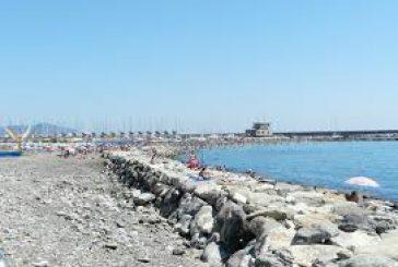 Nonni e nipote cacciati da spiaggia a Chiavari: presenza su bagnasciuga non autorizzata