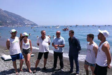 A Positano è stato presentato 'Litter Hunter', il drone che individua e recupera la plastica in mare