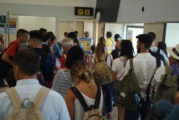 Pax pugliesi bloccati a Siviglia in attesa di volo Ryanair. Codici avvia richieste di rimborsi