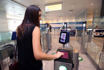 Chi usa la tecnologia vola più felice e consuma più servizi in aeroporto e in volo