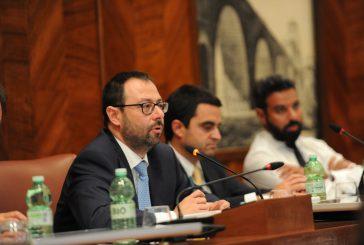 Alitalia, sindacati incontrano Patuanelli: mancano certezze su esuberi