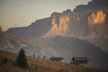 In autunno le Dolomiti si incendiano con 'Val Gardena Burning Dolomites'