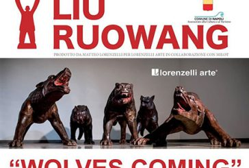 I lupi di Ruowang invadono Napoli tra selfie e 'cavalcate'