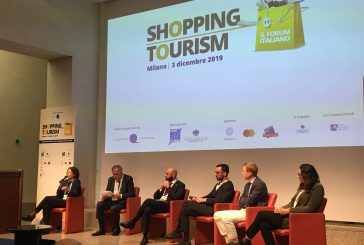 Milano meta tax free shopping: al top turisti di Hong Kong con spesa media di 1.841 euro
